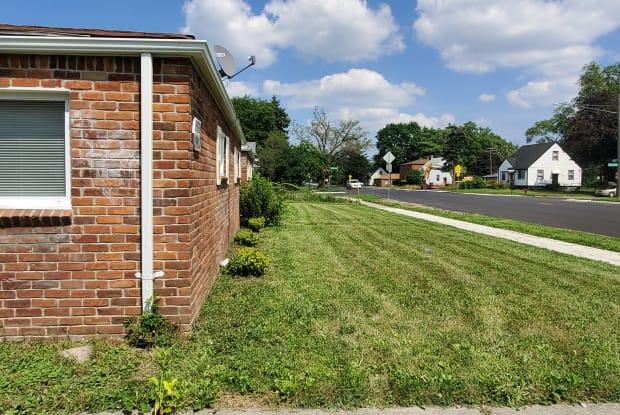 15320 W. Chicago - 15320 West Chicago Street, Detroit, MI 48227
