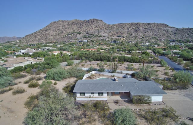 6724 N 58TH Place - 6724 North 58th Place, Paradise Valley, AZ 85253
