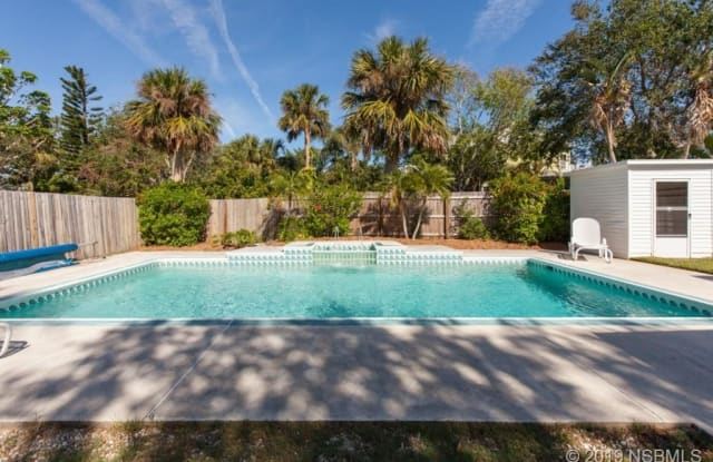 110 Due East Street - 110 Due East Avenue, New Smyrna Beach, FL 32169
