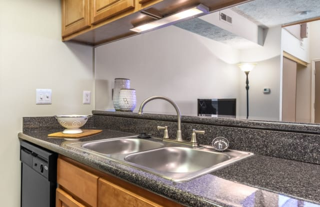 TGM Avalon Lake - 6724 Greenshire Dr, Indianapolis, IN 46220