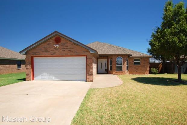 908 11th Street - 908 11th St, Wolfforth, TX 79382