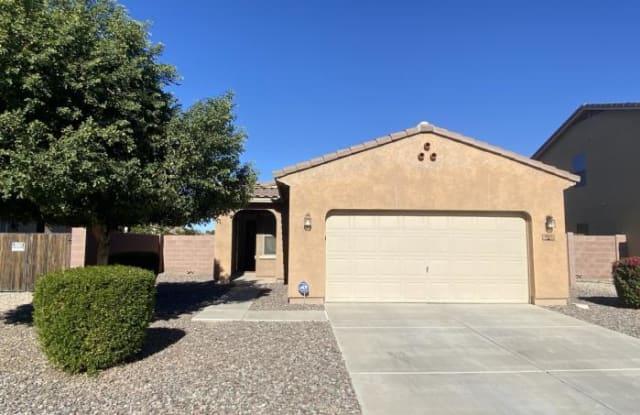 804 W Dana Dr - 804 West Dana Drive, San Tan Valley, AZ 85143