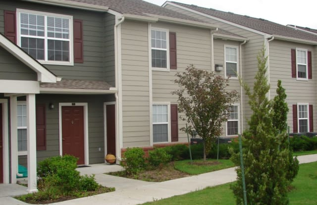 Bridgewater Apartments - 335 S Jane St, Haysville, KS 67060