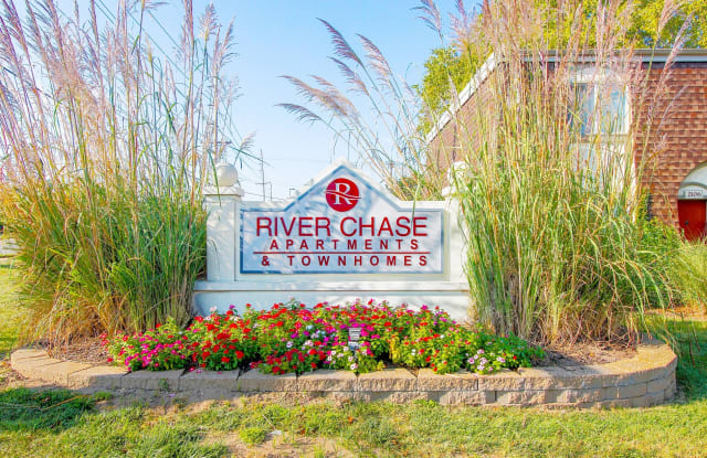 River Chase - 2280 Keeven Ln, Florissant, MO 63031