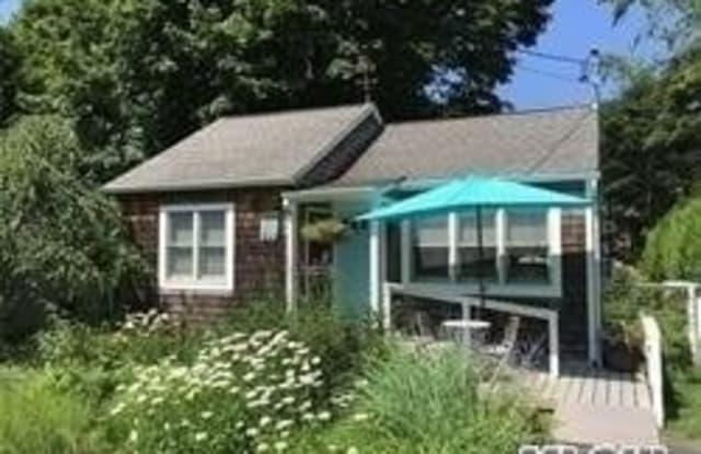 430 Terry Lane - 430 Terry Lane, Southold, NY 11971