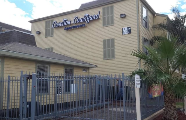 Carelton Courtyard - 215 Market St, Galveston, TX 77550