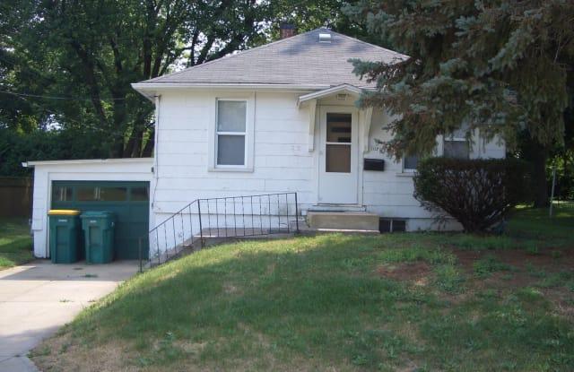 1021 E. Jefferson - 1021 East Jefferson Street, Macomb, IL 61455