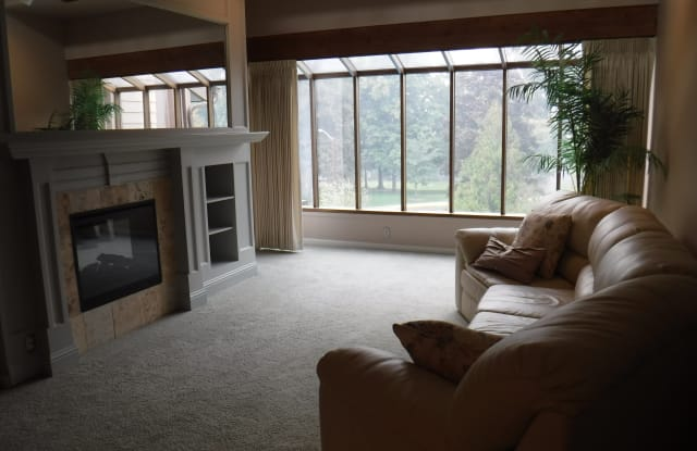 115 Rogue River Hwy Apt 306 - 115 Rogue River Highway, Grants Pass, OR 97527