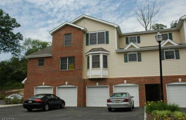 30-05 FEDERAL HILL RD - 30 Federal Hill Rd, Pompton Lakes, NJ 07442
