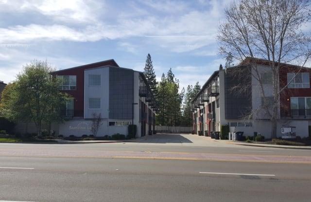 Sunrise Lofts - 7817 Olivia Lane, Citrus Heights, CA 95610