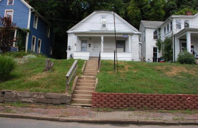 103 Franklin Ave - 103 Franklin Avenue, Athens, OH 45701