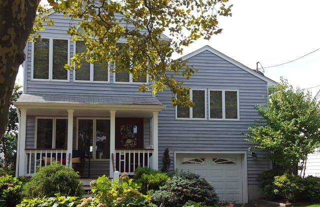 115 Brown Avenue - 115 Brown Avenue, Spring Lake, NJ 07762