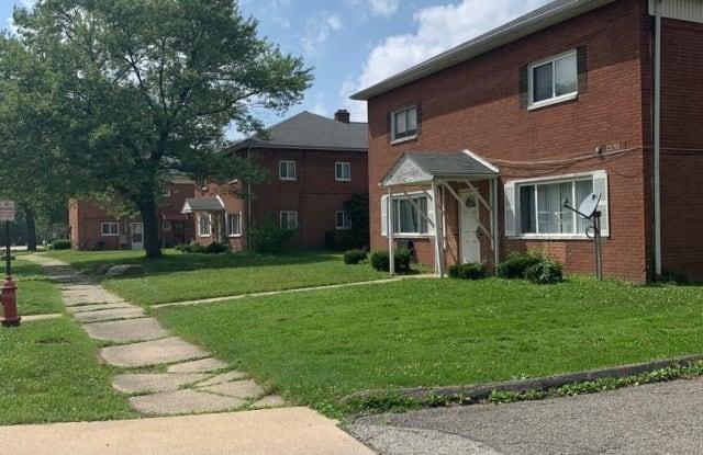 23823 Banbury Circle H1 - 23823 Banbury Circle, Warrensville Heights, OH 44128