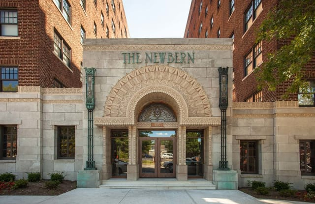 The Newbern - 525 E Armour Blvd, Kansas City, MO 64109