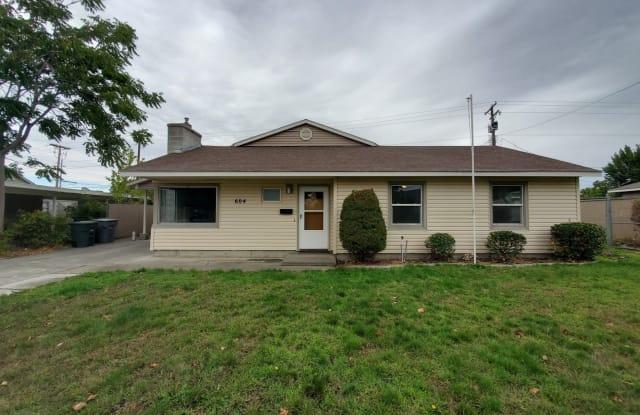 604 Jefferson Street - 604 Jefferson Street, Richland, WA 99352
