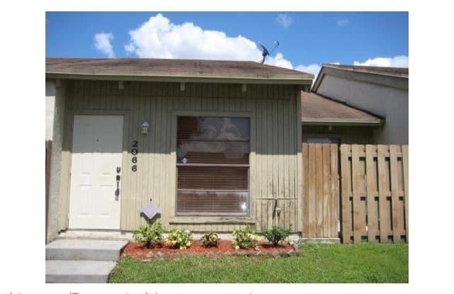 2066 Sw 82 Avenue - 2066 SW 82nd Ave, Davie, FL 33324