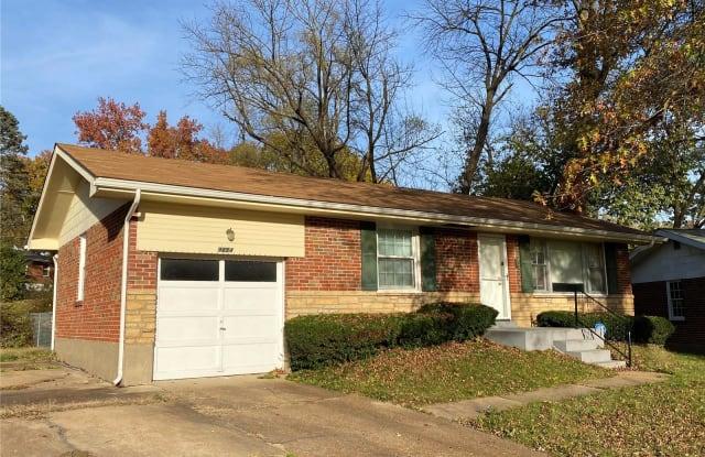 9654 Cutler - 9654 Cutler Drive, Bellefontaine Neighbors, MO 63137