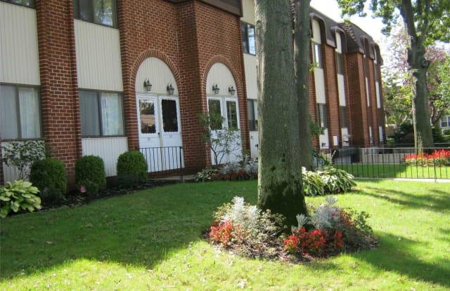 153 Grove St - 153 Grove Avenue, Cedarhurst, NY 11516
