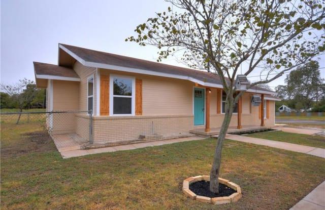 704 E 18th ST - 704 East 18th Street, Georgetown, TX 78626