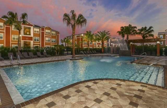 Amalfi at Clearwater - 106 Hampton Rd, Clearwater, FL 33759
