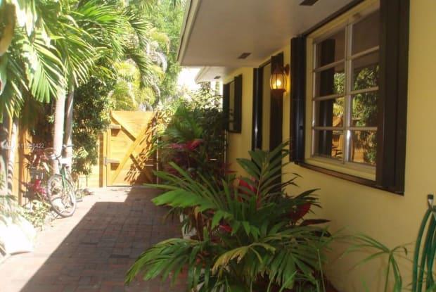 2916 Jackson Ave - 2916 Jackson Ave, Miami, FL 33133