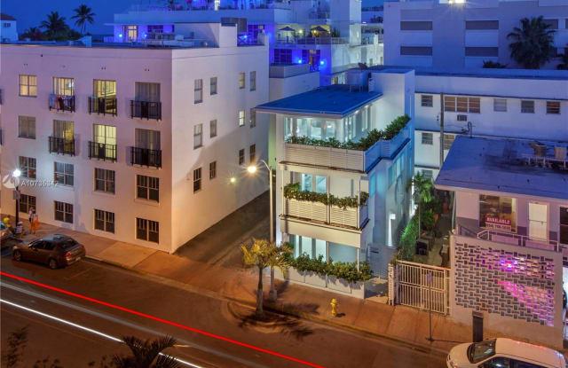 124 11th St - 124 11th Street, Miami Beach, FL 33139