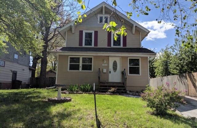 1814 York St - 1814 York Street, Des Moines, IA 50316