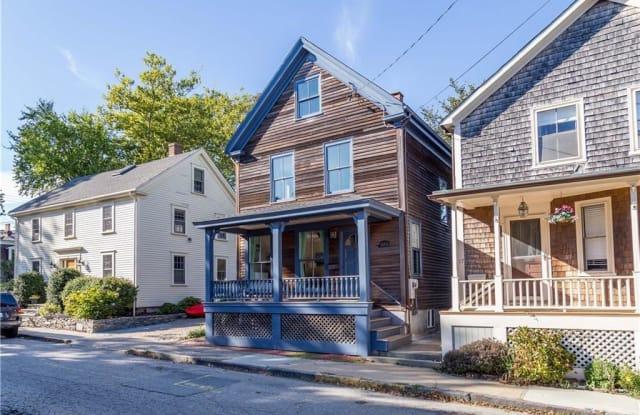17 Cherry Street - 17 Cherry Street, Newport, RI 02840