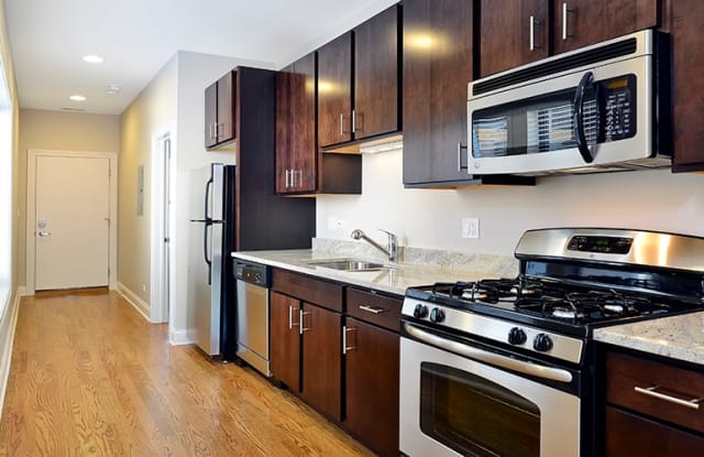 Belmont by Reside Flats - 425 W Belmont Ave, Chicago, IL 60657
