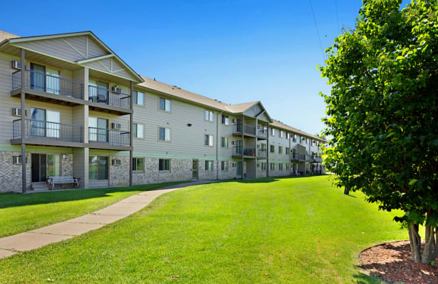 Tralee Terrace Apartments - 9900 Redwood St NW, Coon Rapids, MN 55433