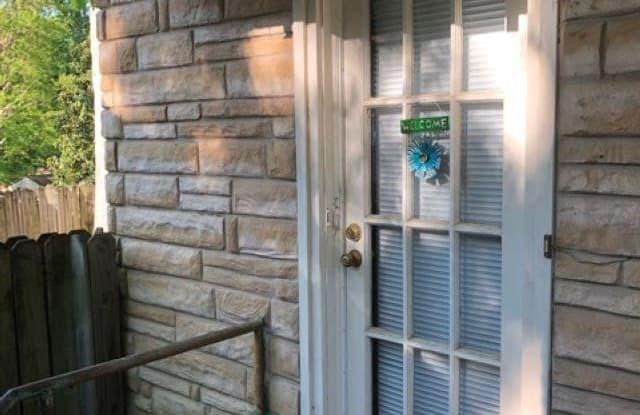 211 1/2 N Spruce Street - 211 1/2 N Spruce St, Little Rock, AR 72205