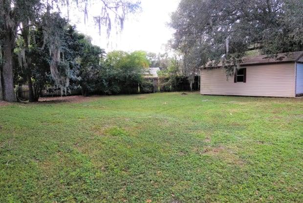 1228 Morgan Dr - 1228 Morgan Drive, Combee Settlement, FL 33801