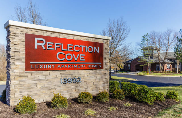 Reflection Cove - 13992 Reflection Dr, Ballwin, MO 63021