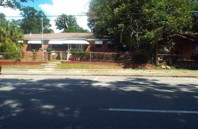 1622 N DAVIS HWY - 1622 N Davis Hwy, Pensacola, FL 32503
