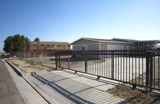 2549 28th St - 2549 28th Street West, Rosamond, CA 93560