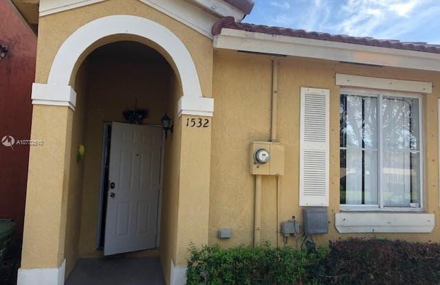 1532 SW 2nd St - 1532 Southwest 2nd Street, Homestead, FL 33030