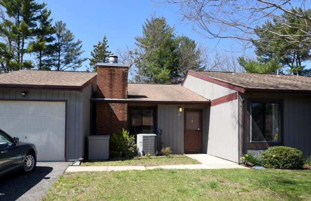 13 Concord Court - 13 Concord Court, Monmouth County, NJ 07701