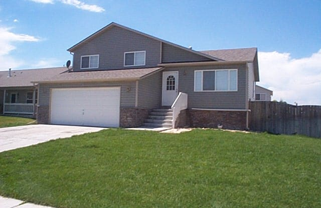 2803 40th Ave - 2803 40th Avenue, Greeley, CO 80634