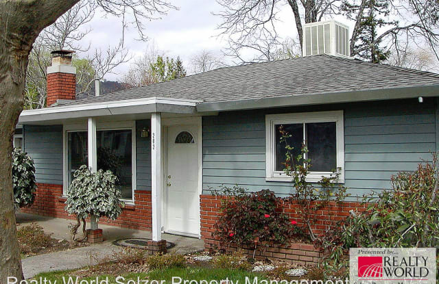 202 Washington Ave. - 202 Washington Avenue, Ukiah, CA 95482