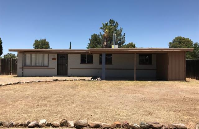 7711 E 45th St - 7711 East 45th Street, Tucson, AZ 85730