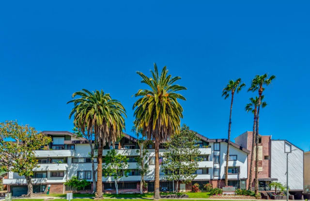 Kaitlin Court - 1340 North Poinsettia Place, Los Angeles, CA 90046