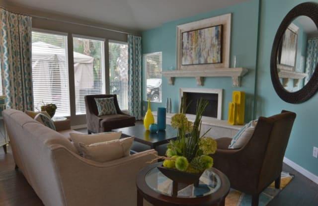 Timberlake Apartments - 675 Jamestown Blvd, Altamonte Springs, FL 32714
