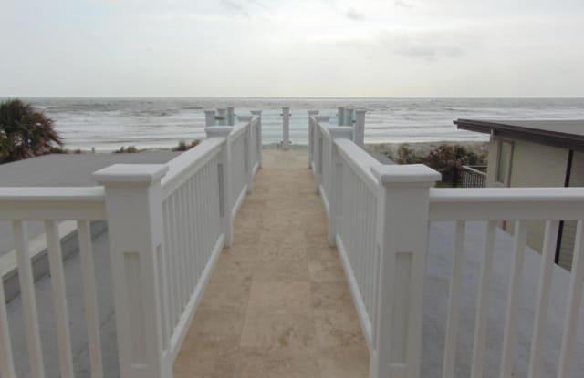 2002 OCEAN FRONT - 2002 1st Street North, Neptune Beach, FL 32266