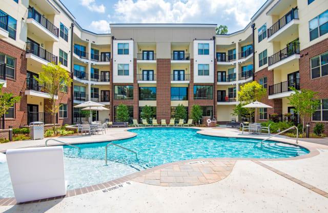 Jones Grant Urban Flats - 1040 Wake Towne Dr, Raleigh, NC 27609