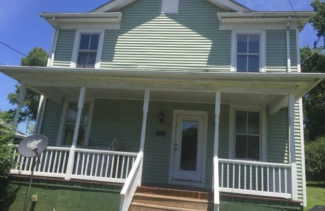 189 N MADISON STREET - 189 North Madison Street, Orange, VA 22960
