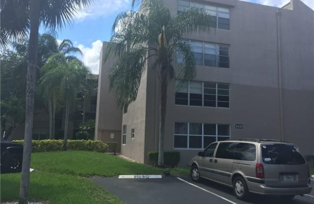 9430 Tangerine Pl - 9430 Tangerine Place, Davie, FL 33324