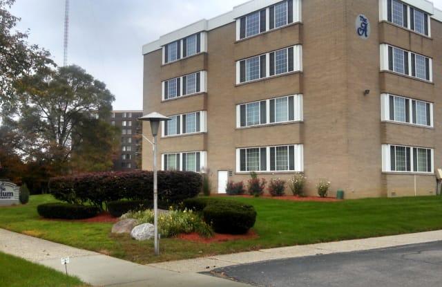 Atrium Apartments - 16200 W 9 Mile Rd, Southfield, MI 48075