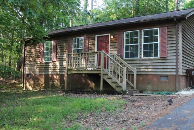4 JENNINGS DR - 4 Jennings Drive, Lake Monticello, VA 22963