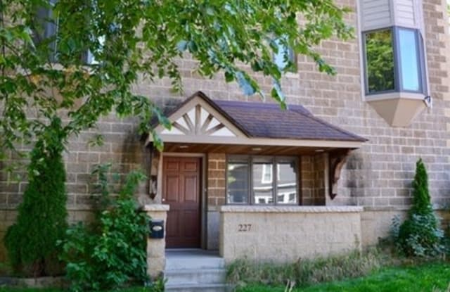 227 W 28th St - 227 West 28th Street, Minneapolis, MN 55408
