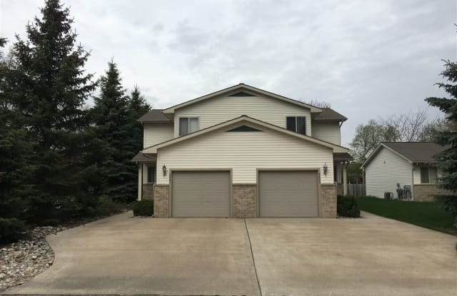 2401 Morning Dawn Dr - 2401 Morning Dawn Drive, Midland, MI 48642